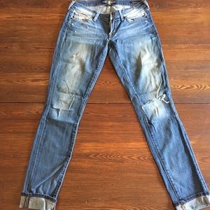 Lucky Brand- classic distressed Zoe skinny jeans